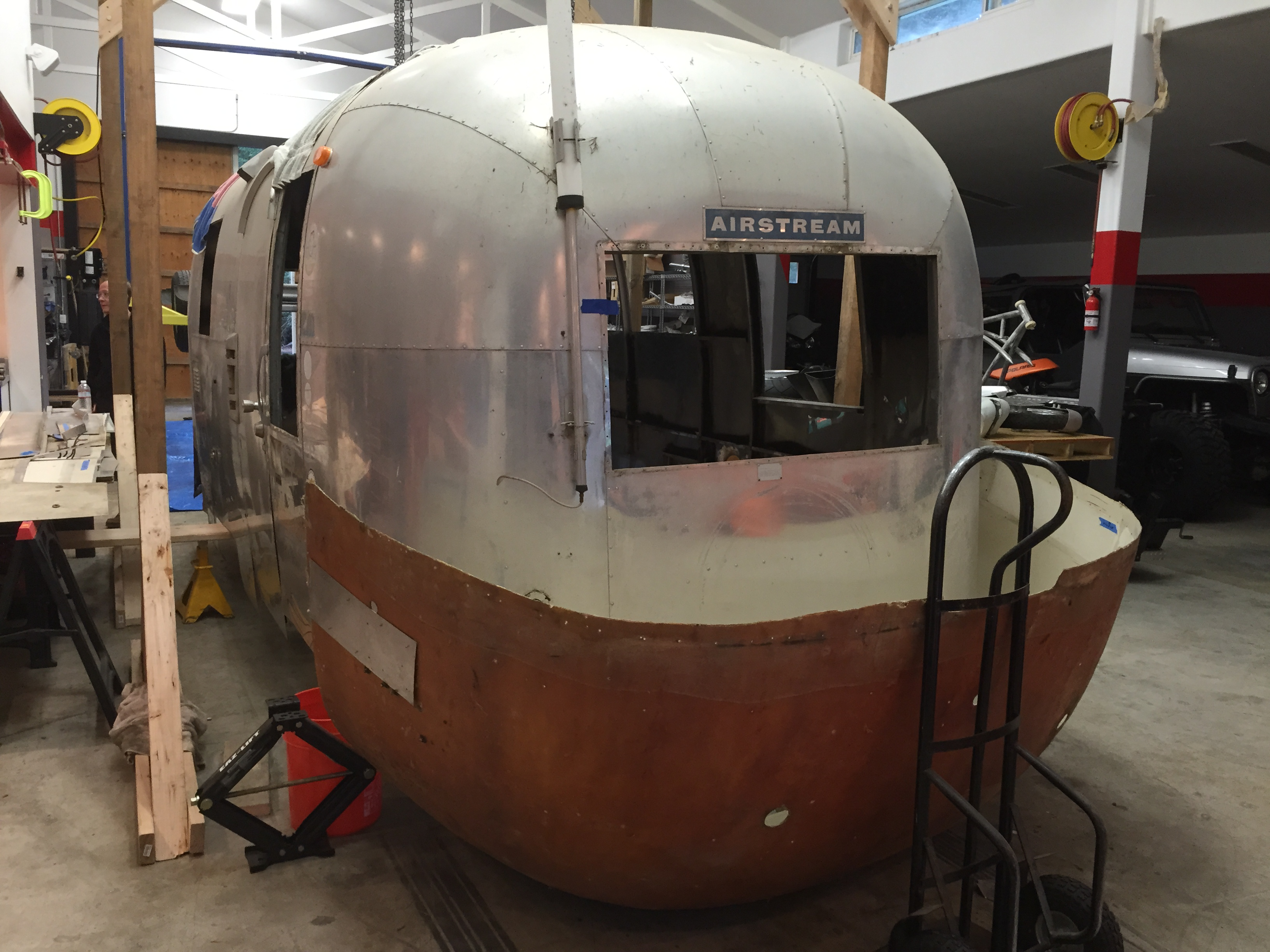Renovation Underway for a 1965 Airstream Globetrotter ...